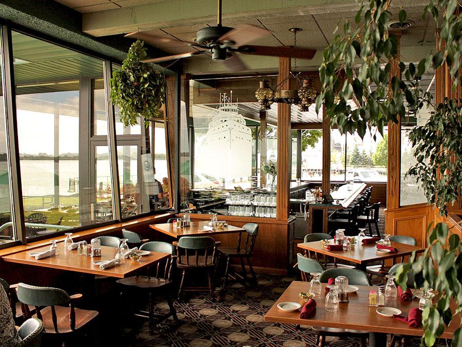 Voyageur dining room