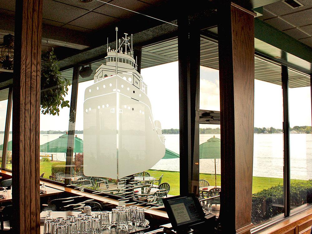 Voyageur Restaurant
