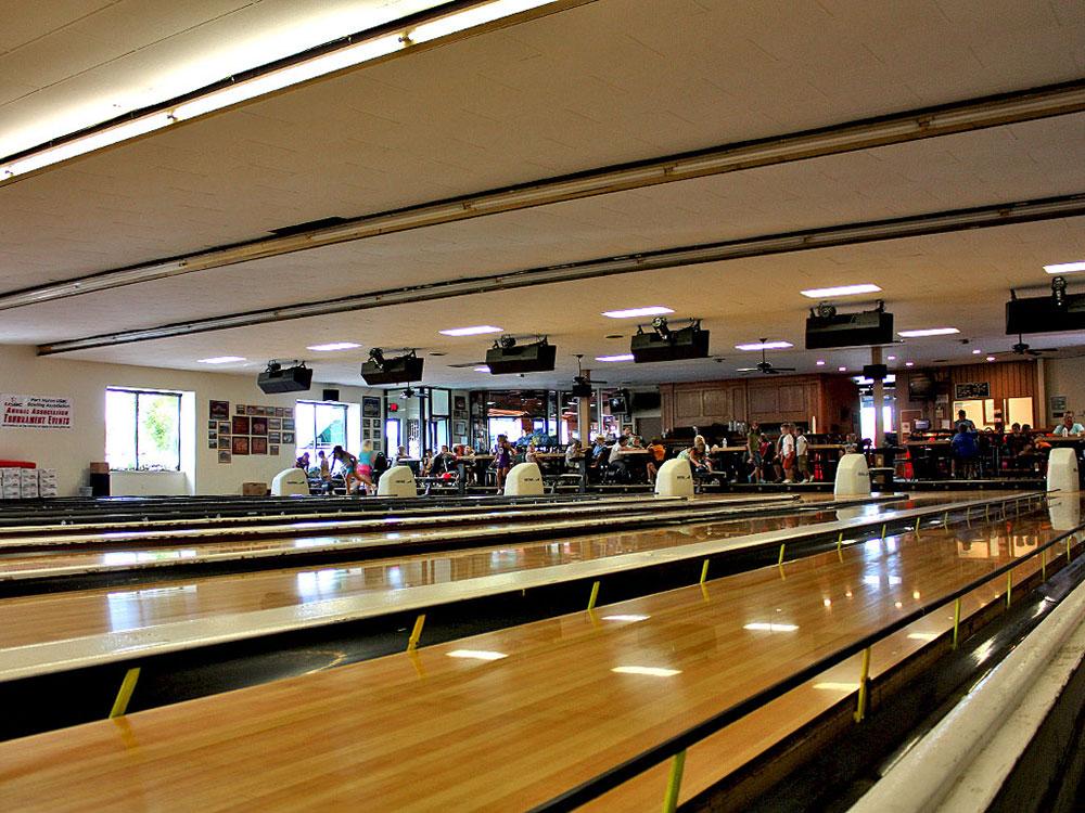 The Voyageur bowling lane